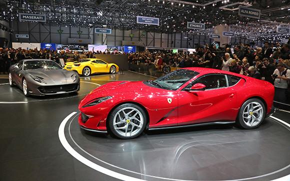 فيراري تطرح أسرع سياراتها على الإطلاق خلال فعاليات معرض جنيف الدولي