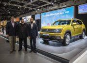 جناح فولكس فاجن بمعرض دبي الدولي للسيارات يقدم تيرامونت وأرتيون الجديدتين كلياً