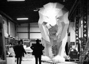 بعد إستحواذها على أوبل، بيجو تُعد أسداً بإرتفاع 15 قدماً للعرض بجناحها بمعرض جنيف