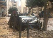 بالصور: آثار العاصفة الترابية على السيارات في مصر