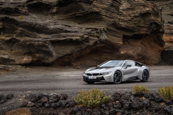 BMW i8 Coupe 2019