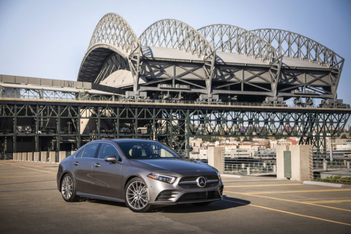 Mercedes-Benz A200 Luxury 2021