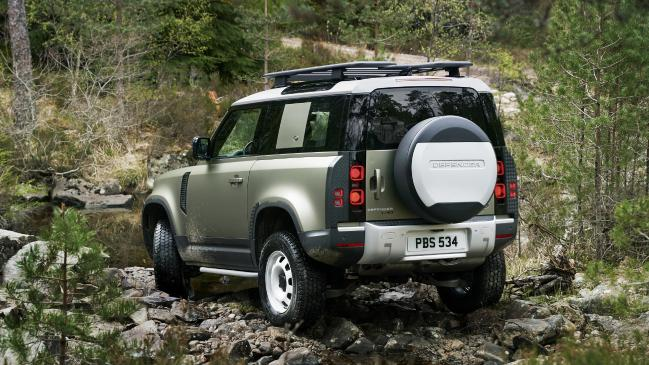 لاندروفر ديفندر Land Rover Defender