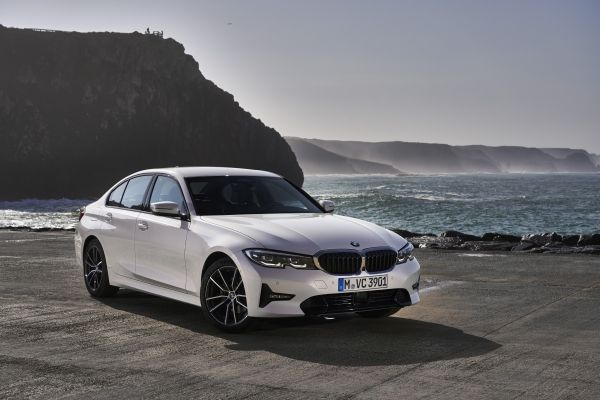 BMW 320i Luxury 2021