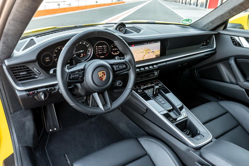 بورش 911 2020 قيادة