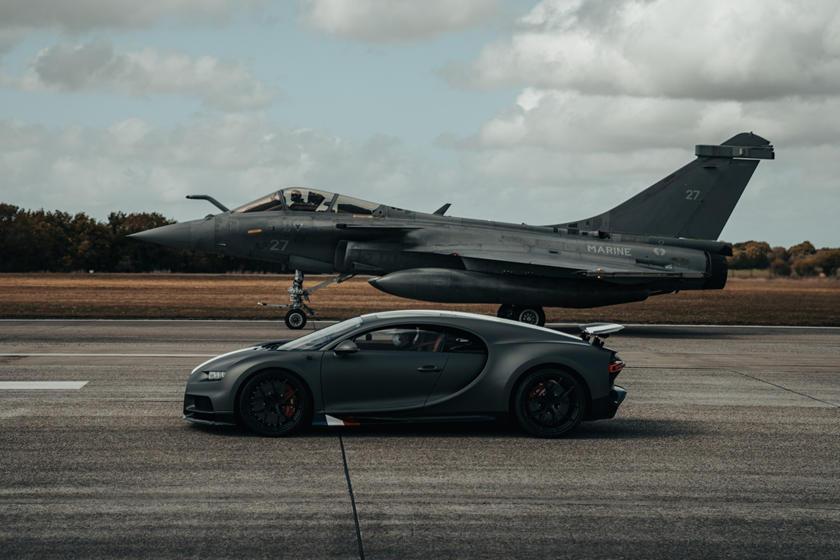 فيديو .. بوجاتي شيرون تسابق طائرة حربية