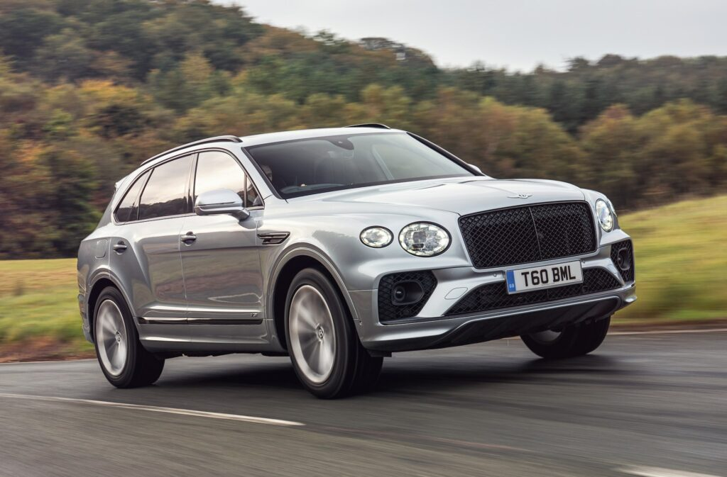 أقوى السيارات بمحركات بنزين في العالم SUV