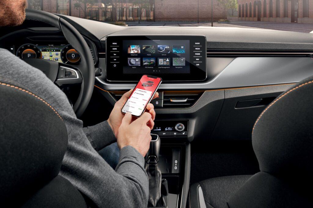 جوجل تطلق نظام أندرويد 12 بوظيفة المفتاح الذكي للسيارات