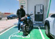 يوم البيئه العالمي  رحالة مصري ينطلق فى رحلة لـ1000 كم بدراجة كهربائية