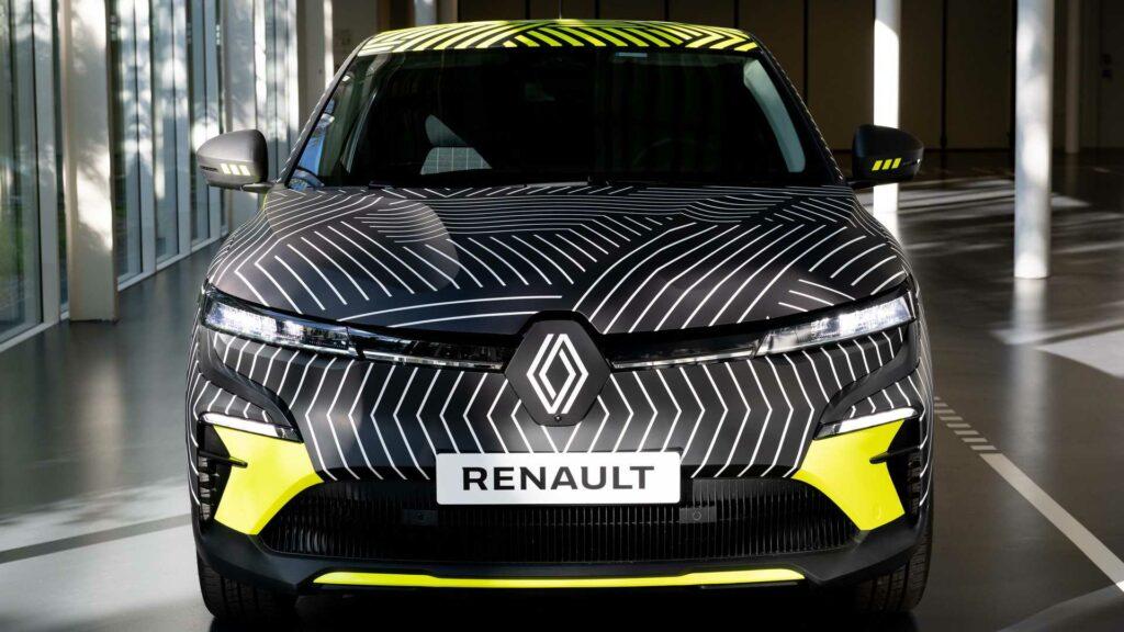 رينو ميجان تصبح سيارة كهربائية 2022